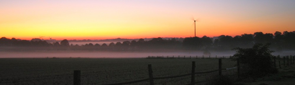 Nebel über den Feldern meiner Laufstrecke